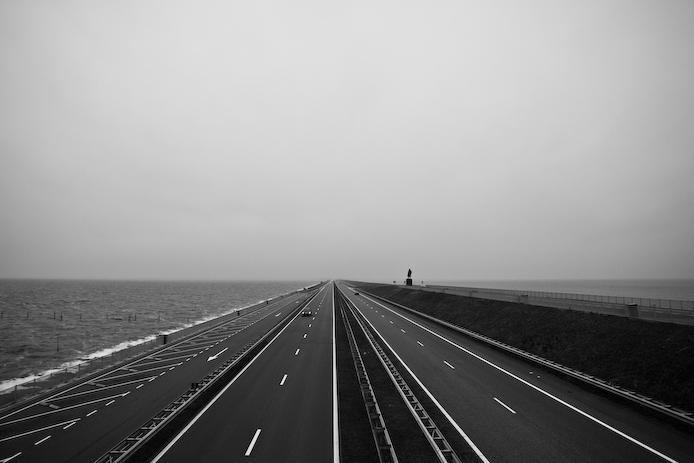 Afsluitdijk in perspective